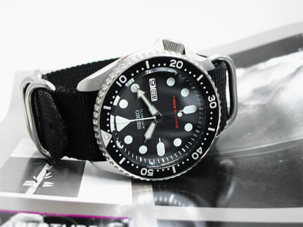 Seiko SKX007K Diver's Automatic Watch