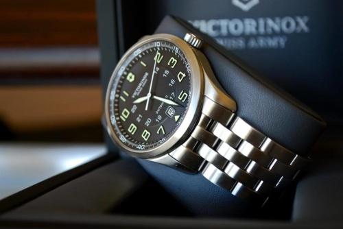 Victorinox Men's 241508 AirBoss Analog Display Swiss Automatic Silver Watch